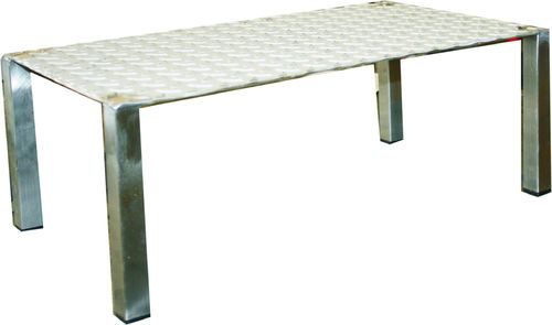 Stainless steel pedestal with 1 step